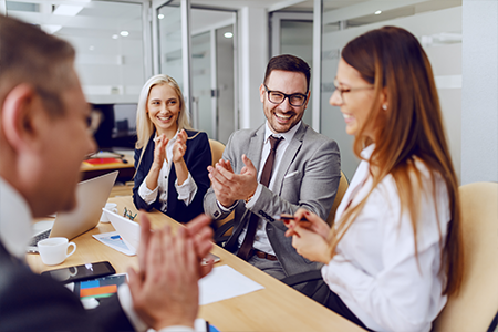 8 Tips for Picking the Right Employee Recognition Platform
